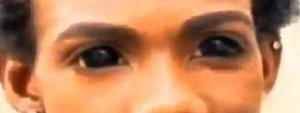 Imagen del rapero Mace con los ojos tatuados Instagram